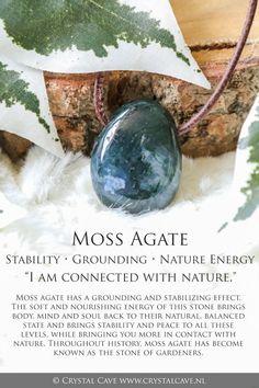 Crystals Minerals, Rocks And Minerals, Crystals And Gemstones, Stones And Crystals, Gem Stones, Crystal Magic, Crystal Healing Stones, Crystal Shop, Quartz Crystal