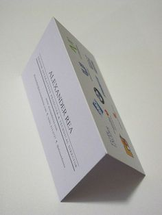 Mini folded #resume card. Love this sleek idea!