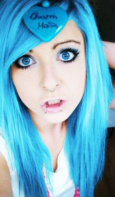 Blue hair! i pinned this from sum 40 year old wif purple hair:) luve holly c.
