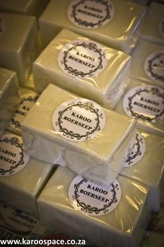 Nothing removes organic stains as well as boerseep. And as we found out in Murraysburg, this traditional laundry soap is still made the same old way. Laundry Detergent, Home Made Soap, Alchemy, Soap Making, Diy Beauty, Stains, Organic, Cleaning, Bath