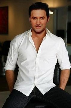 The white shirt look. Excuse me. The 'Richard-Armitage-in-a-white-shirt' look. There's a difference.