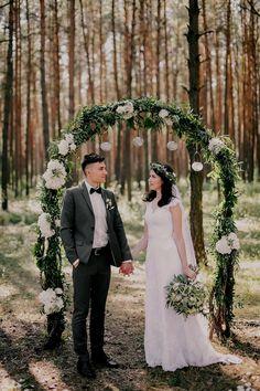 55 Inspirationen für eine elegante Hochzeitsdeko in Weiß - Hochzeitskiste Wedding Flowers, Wedding Dresses, Elegant, Dream Wedding, Bouquet, Inspiration, Bride, Floral, Bow Wedding