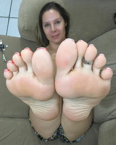 Solinhas da Grazi (@goddess_grazi) #pés #pésperfeitos #perfectfeet #pezinhos #feet #feetlovers #feetlove #feetstagram #feetbrazil #feetpics #foot #footfetish #footmodel #footworship #fetiche #feticheporpes #podolatria #perfetctoes #solas #soles #bestfeet #sexy #sexyfeet #barefeet #barefoot #apaixonadoporpes #footjob #selfeet #tagsforlikes #picoftheday