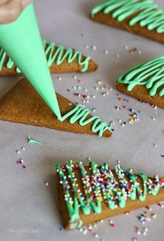 holiday baking Gingerbread Christmas Tree Cookies and a Special Meal Plan with New Cookbook Purchases Gingerbread Christmas Tree, Christmas Tree Cookies, Christmas Snacks, Xmas Food, Christmas Cooking, Christmas Goodies, Holiday Cookies, Holiday Treats, Holiday Recipes