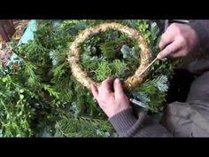 Adventskranz selbst binden - Teil 2 - Tannengrün aufbinden - YouTube