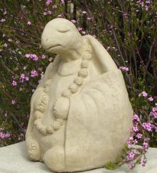 This reminds me of the turtle from 'Kung Fu Panda' hehe. love it!