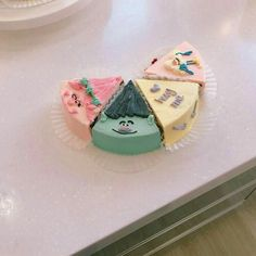 something special ♡ Pretty Birthday Cakes, Pretty Cakes, Korean Cake, Cute Desserts, Just Cakes, Pastry Cake, Cafe Food, Mets, Sweet Cakes