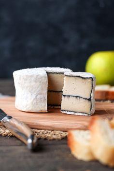 Vegan Ash-Ripened Camembert - Full of Plants Vegan Cheese Recipes, Best Vegan Cheese, Delicious Vegan Recipes, Vegan Foods, Vegan Dishes, Raw Food Recipes, Vegetarian Recipes, Cooking Recipes, Vegan Milk