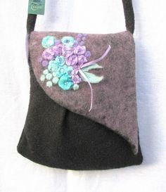 Tiame romantikus kistáska pasztel lila és  türkiz selyemvirágokkal, Táska, Válltáska, oldaltáska, Meska