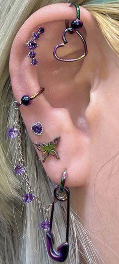 Jewelry Tattoo, Ear Jewelry, Cute Jewelry, Body Jewelry, Jewelery, Jewelry Accessories, Pretty Ear Piercings, Unique Piercings, Different Ear Piercings