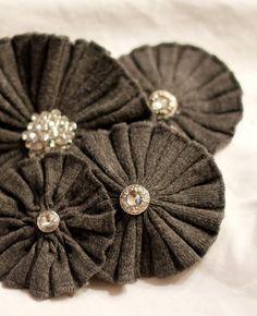 Recyclez vos poignets de pulls : des fleurs en jersey