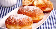 Csokis végű darálós keksz - sütnijó! – Kipróbált sütemény receptek Donuts, Hamburger, Bread, Muffin, Food, Donut Recipes, Play Dough, Food Food, Bakken