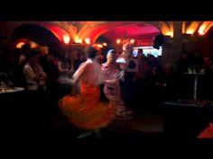 SENDEROS DEL ROCIO. CUM LAUDE.Mar y Pilar bailando, canta Piluca - YouTube