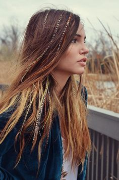 Feather Extensions ╰☆╮Boho chic bohemian boho style hippy hippie chic bohème vibe gypsy fashion indie folk the . ╰☆╮╰☆╮Boho chic bohemian boho style hippy hippie chic bohème vibe gypsy fashion indie folk the . Box Braids Hairstyles, Feathered Hairstyles, Boho Hairstyles, Hairstyles 2016, Hairdos, Gorgeous Hairstyles, Formal Hairstyles, Feather Extensions, Clip In Hair Extensions