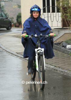 Bilder unserer Pelerinen im täglichen Gebrauch - pelerinen.ch, Regenpelerinen für Kinder, Jugendliche und Erwachsene.