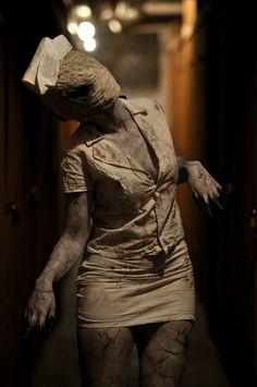 Best of Cosplaying: Silent Hill Nurse