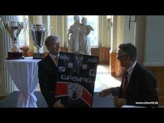 Berlins regierender Bürgermeister empfängt den Deutschen Meister 2011, die Eisbären Berlin: http://youtu.be/Ob4jzwl40KM