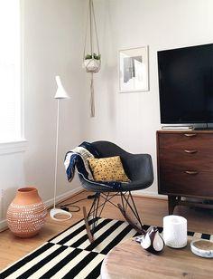 Living room makeover - doorsixteen.com