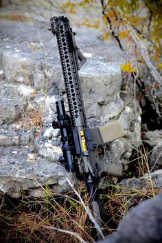 Recently I had the pleasure of taking to the range one of the latest and greatest AR platform rifles on the market. Military Weapons, Weapons Guns, Airsoft Guns, Guns And Ammo, Military Life, Tactical Rifles, Firearms, Shotguns, Salient Arms