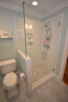60 Luxury Small Bathroom Shower Remodel Ideas - Page 12 of 63 Small Bathroom With Shower, Tiny House Bathroom, Shower With Half Wall, Master Bathrooms, Small Basement Bathroom, Shower Ideas Bathroom, Modern Bathroom, Small Bathtub, Dyi Bathroom