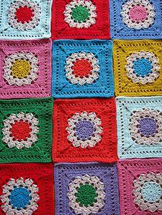 Flower Burst Square  ~ free pattern via ravelry