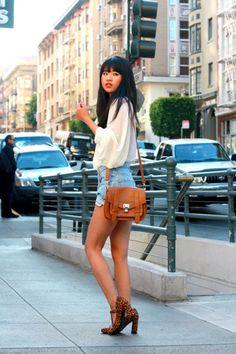 Sky-blue-vintage-levis-shorts-white-nasty-gal-blouse-tawny-t-bar-asos-pumps_400