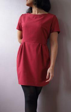 Sigma dress de Papercut patterns en twill rouge