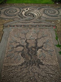 Gresgarth's garden paving - mosaic pebbles