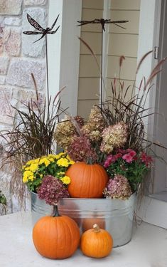 Fall Planter - reuse your grasses! Use an existing summer planter and turn it into a fall planter! Fall Planter - reuse your grasses! Use an existing summer planter and turn it into a fall planter! Autumn Garden, Autumn Home, Easy Garden, Garden Ideas, Diy Autumn, Fall Containers, Succulent Containers, Container Plants, Container Flowers