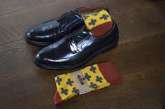 Men yellow crossed socks by Moustard Derby, Oxford Shoes, Dress Shoes, Lace Up, Socks, Pairs, Mens Fashion, Yellow, How To Wear