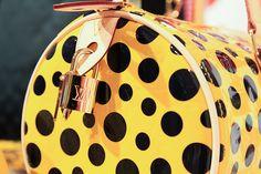 LOUIS VUITTON×草間彌生  More photo at:http://www.fashionsnap.com/news/2012-07-18/kusama-vuitton-isetan/gallery/#