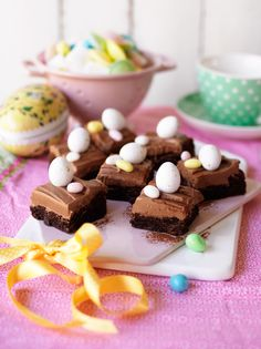 Chokladbrownies med chokladfrostin