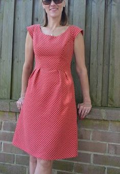 Georgia whipped up this red/ivory spotted A-line dress in our latest arrival – Yacht Spot Jacquard – Red using dress pattern Simplicity The simpler version minus pocket flaps or peplum was cut, with a few alterations made to the. Sewing Clothes, Diy Clothes, Fashion Clothes, Fashion Dresses, Clothes For Women, Boho Fashion, Simple Dresses, Casual Dresses, Summer Dresses