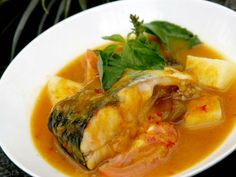 Pindang Patin, Palembang (South Sumatra). Indonesia Fish Soup, Indonesian Cuisine, Asian Recipes, Ethnic Recipes, Palembang, Exotic Food, Fish And Seafood, Vegetable Dishes, Spicy