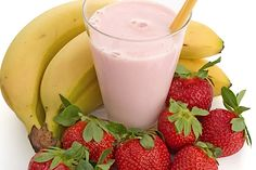 Strawberry Banana Smoothie Weight Loss Smoothies, Healthy Smoothies, Healthy Drinks, Smoothie Recipes, Healthy Snacks, Fruit Smoothies, Protein Recipes, Healthy Eating, Healthy Recipes