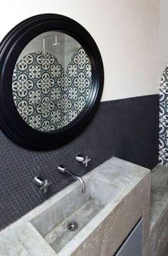 beautiful tiles and concrete sink Beton Design, Concrete Design, Wood Design, Concrete Sink, Concrete Countertops, Bathroom Basin, White Bathroom, Master Bathroom, Natural Bathroom