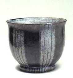 Ceramics by Karen Bunting at Studiopottery.co.uk - Bowl, height 14cm. All pots shown are either incised and inlaid with oxides, or painted with oxides over the raw glaze. Photograph: Stephen Brayne.