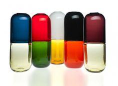 """""""pillole della felicità"""" in vetro soffiato e lavorato a mano le nuove creazioni di Fabio Novembre per Venini."""