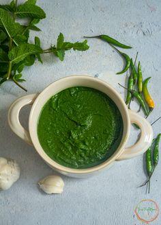Cilantro Recipes, Mint Recipes, Spicy Recipes, Soup Recipes, Vegan Recipes, Green Chutney Recipe, Chutney Recipes, Vegetarian Curry, Vegan Curry