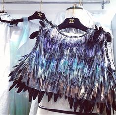 CHANEL : feather crop top