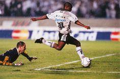 Edílson foi campeão do Mundial de Clubes de 2000 com a camisa do Corinthians