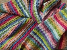 Good morning and welcome to what I hope will be a lovely floral and blankety ta-dah! I really love creating these uber-happy, ever so slightly showy-offy ta-dah posts, I think the over excitement is partly to do with the timing. Crochet Quilt, Crochet Blankets, Afghan Blanket, Brighten Your Day, Hydrangea, Crochet Projects, Crochet Patterns, Diy Crafts, Quilts