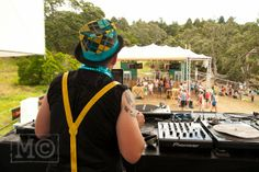 I went for a bit of a wander around on the Saturday morning. At twelve one of the highlights of Splore The Dastardl. Saturday Morning, Wander