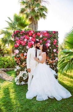 Glam Flower Gefüllt Hochzeit In Ibiza  - Flower, gefüllt, Glam, Hochzeit, Ibiza - Mode Kreativ - http://modekreativ.com/2017/07/27/glam-flower-gefullt-hochzeit-in-ibiza.html