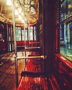 Certi #tram vanno presi al #volo  #tram #bench #brown #nightout #nightlights #wood #glass #oldstyle #oldfashion #nostalgic #cominghome #milano #instaphoto #vscocam #milanodavedere #milanobynight #igersitalia by cecinstag