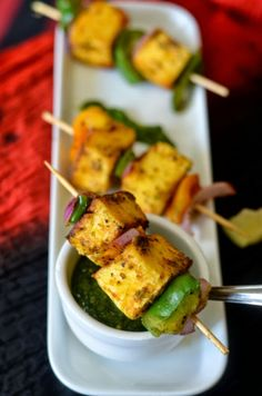 Paneer tikka - made in pan. No oven no grill recipe : with a secret ingredient. Succulent Paneer cubes with crispy bell peppers. Paneer Recipes, Veg Recipes, Indian Food Recipes, Vegetarian Recipes, Cooking Recipes, Recipies, Cooking Tips, Paneer Snacks, Starter Recipes