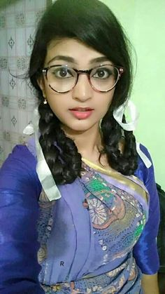 Desi Girl Selfie, Engagement Mehndi Designs, Red Christmas Dress, Girls Phone Numbers, Cute Girl Photo, China Girl, Girls Dpz, Cute Faces, India Beauty