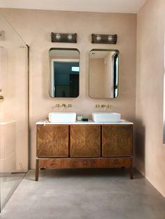 Ceramic | Tadelakt London Family Bathroom, Bathroom Wall, Tadelakt, Inside Home, Vanity Units, Vintage Vanity, Paint Colors For Home, Floor Finishes, Bathroom Inspiration
