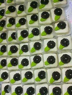 حلويات خديجة halawiyat khadija: حلوة بالكوك والشكلاط باشكال مختلفة