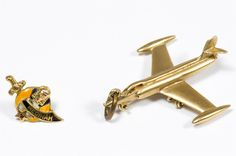 Lot 275: 14k Gold Airplane Charm; Together with a 10k gold Medinah screw back pin